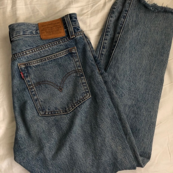 Levi's wedgie light wash jeans